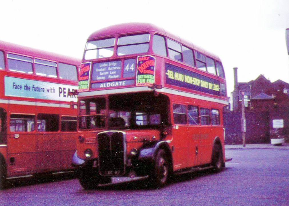 RT1978 Aldgate Minories Bus Station