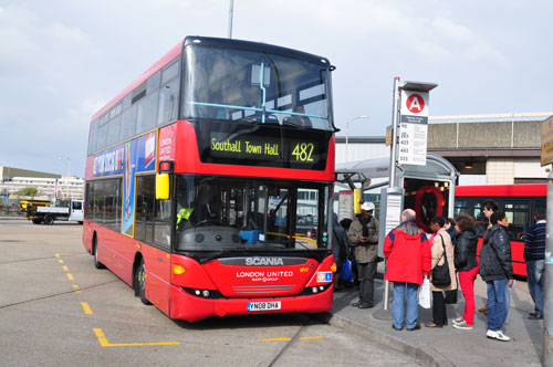 London Bus Route 482